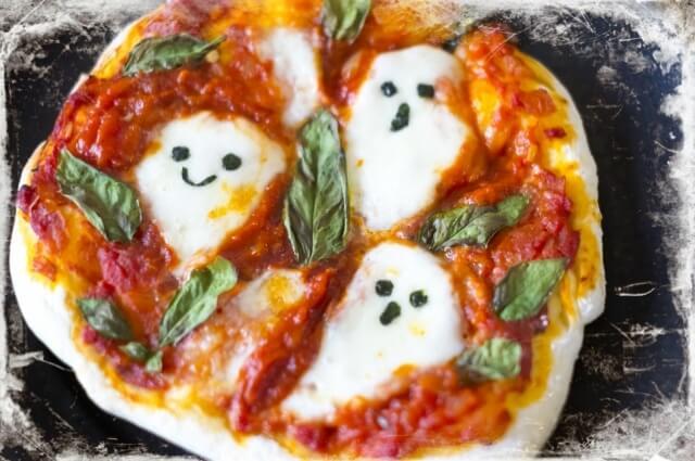 お化けのピザ